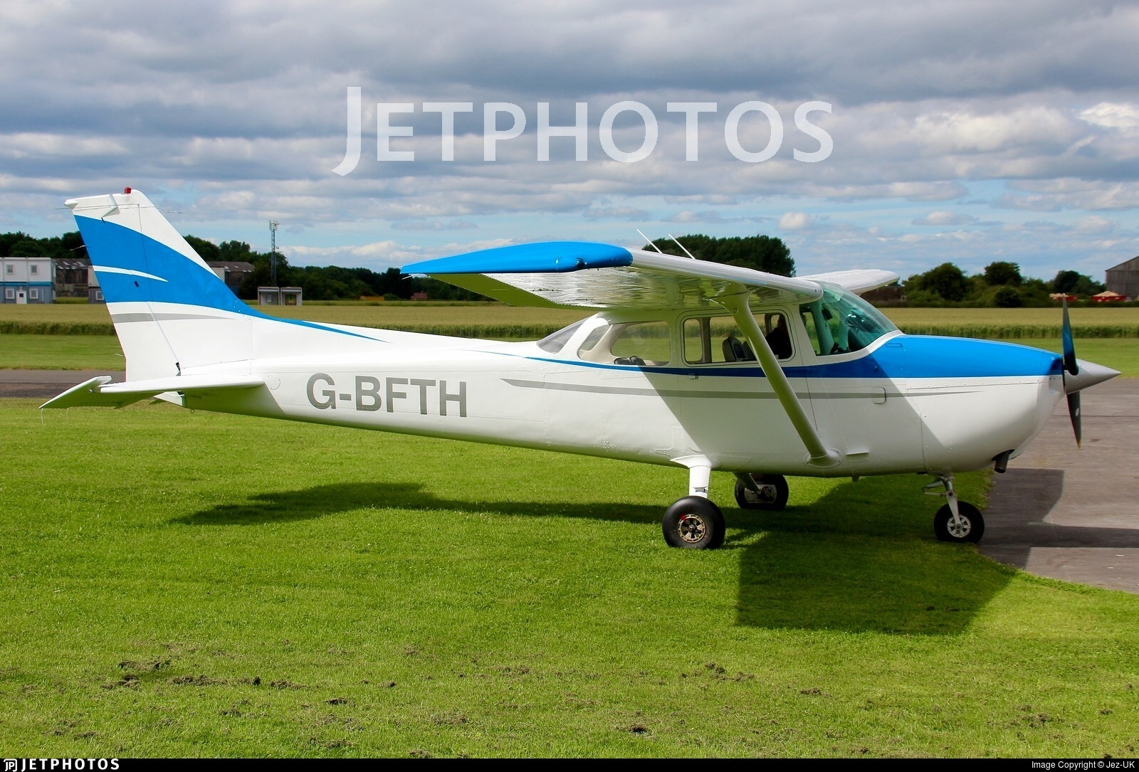 G-BFTH - Reims-Cessna F172N Skyhawk - Private