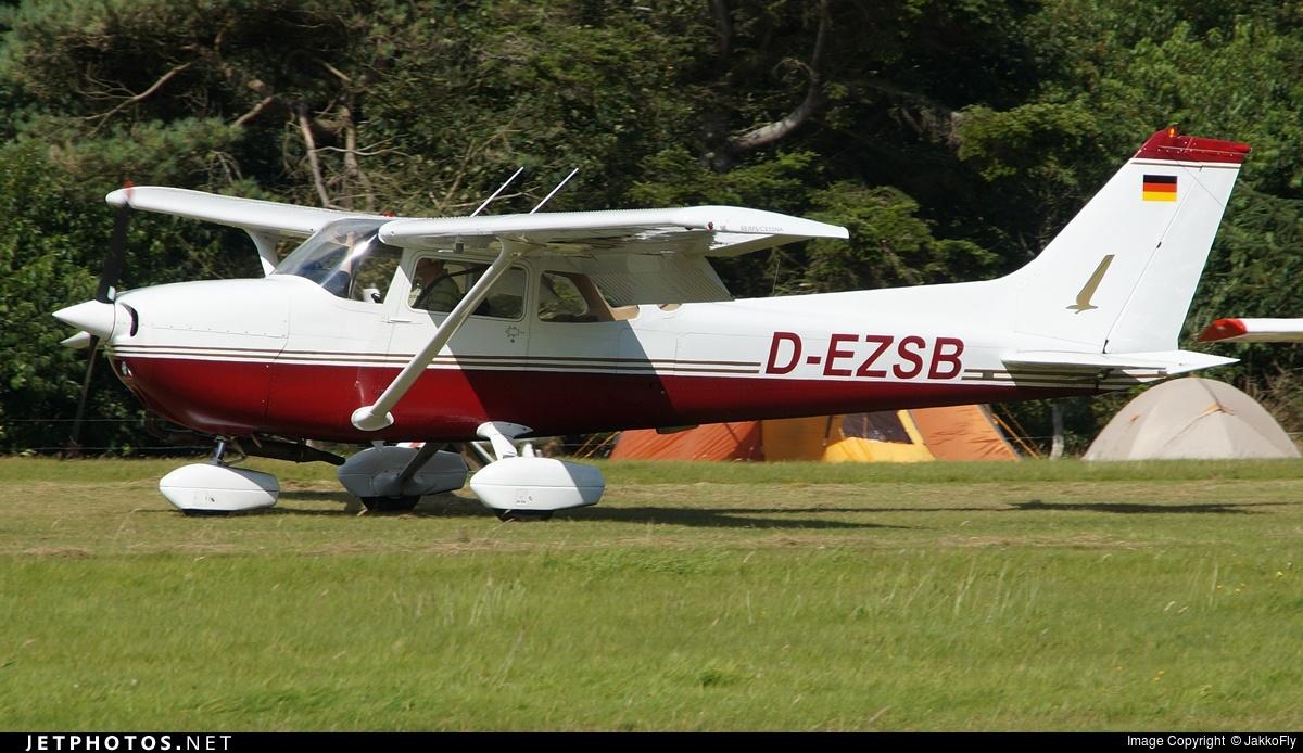 D-EZSB - Reims-Cessna F172N Skyhawk - Private