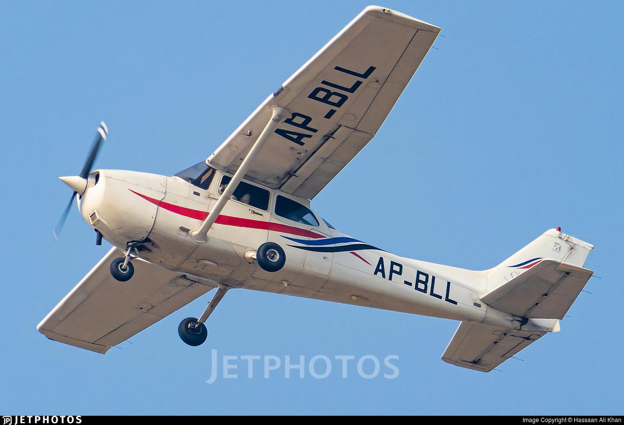 AP-BLL - Cessna 172R Skyhawk - Private
