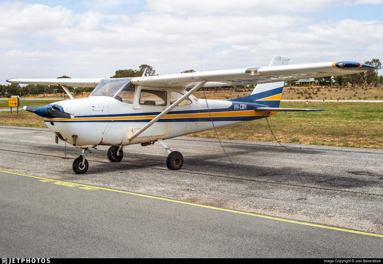 VH-CBH - Cessna 172D Skyhawk - Private