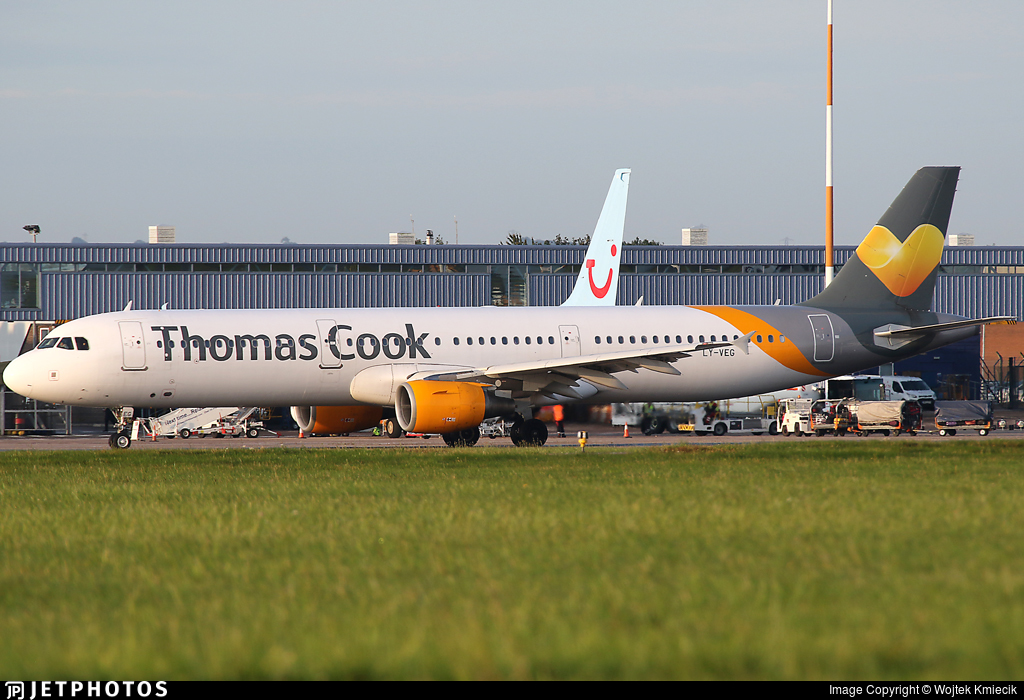 LY-VEG - Airbus A321-211 - Thomas Cook Airlines (Avion Express)