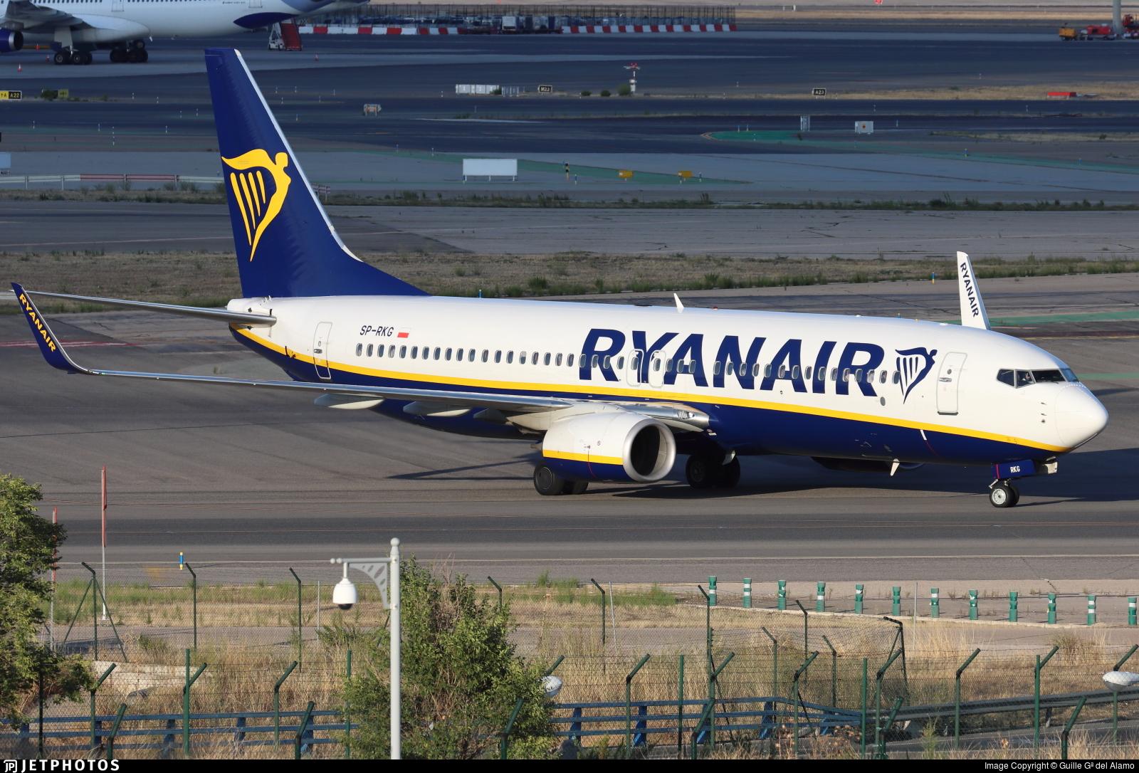 SP-RKG - Boeing 737-8AS - Ryanair Sun