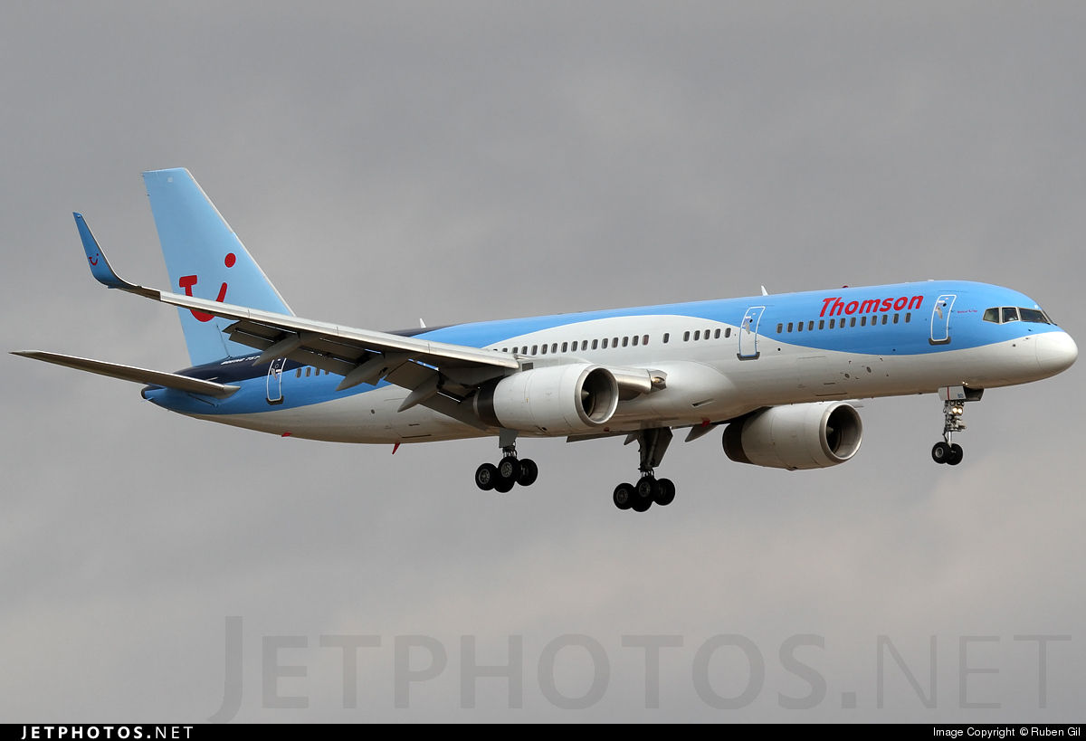 G-OOBD - Boeing 757-28A - Thomson Airways
