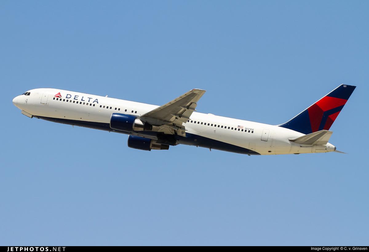N121DE - Boeing 767-332 - Delta Air Lines