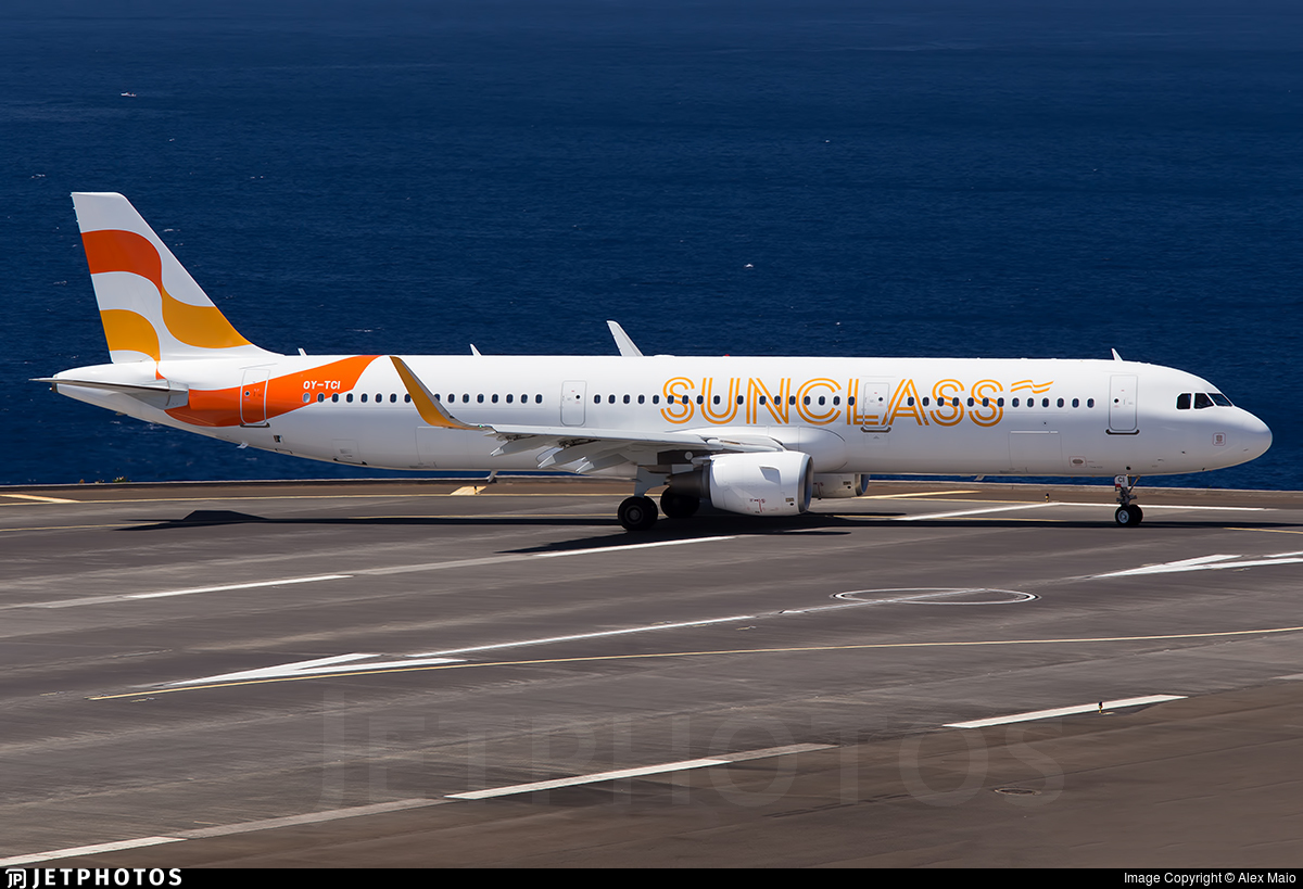 OY-TCI - Airbus A321-211 - Sunclass Airlines