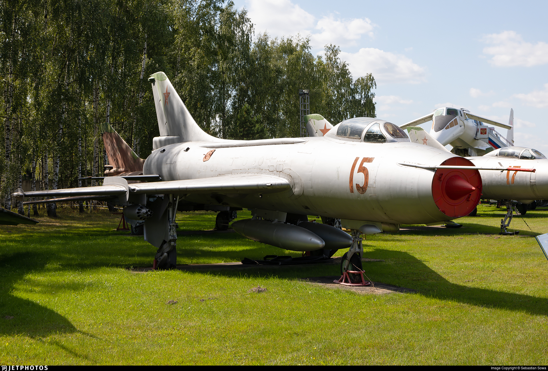 24 - Sukhoi Su-7BKL Fitter A - Soviet Union - Air Force