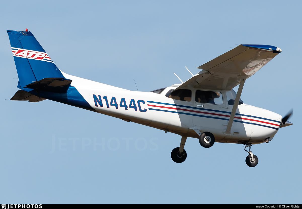 N1444C | Cessna 172S Skyhawk SP | ATP Flight School | Oliver
