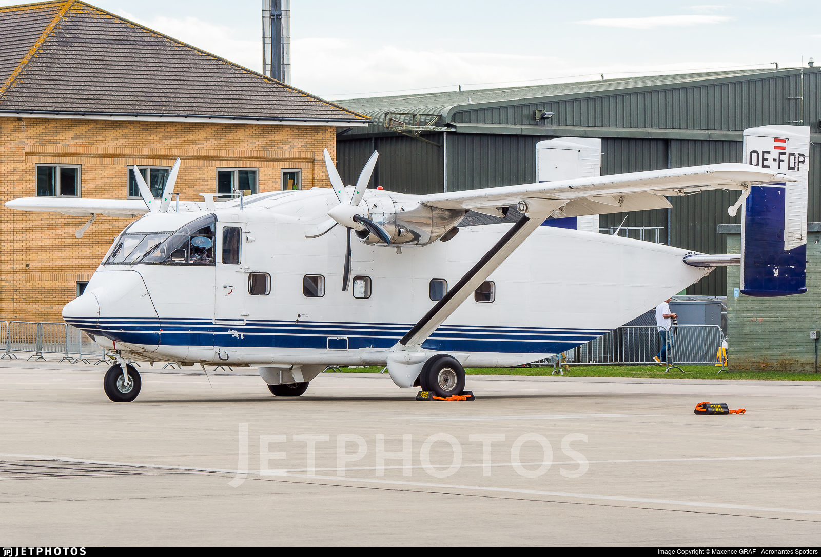 OE-FDP - Short SC-7 Skyvan 3-100 - Pink Aviation