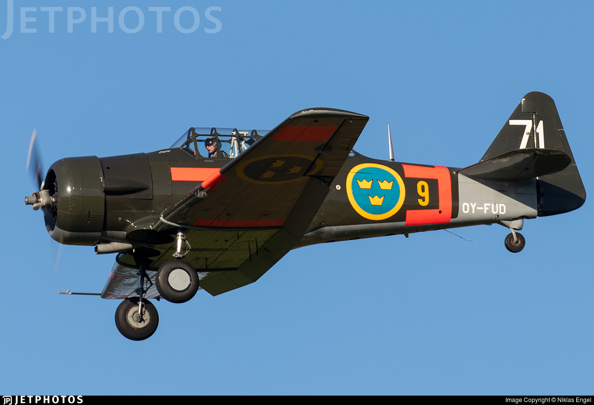 OY-FUD - Noorduyn Harvard II - Private