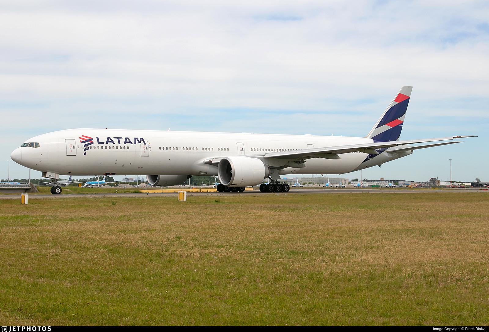 PT-MUD - Boeing 777-32WER - LATAM Airlines