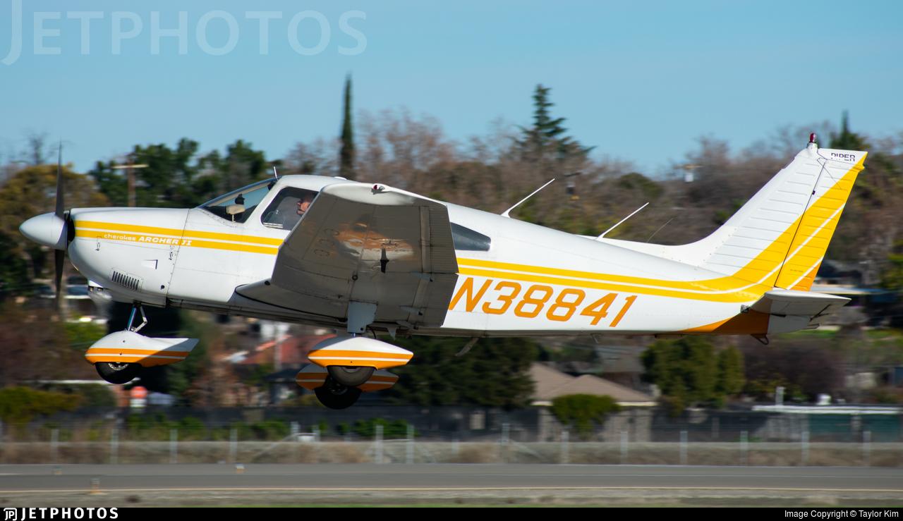 N38841 - Piper PA-28-181 Archer II - Private