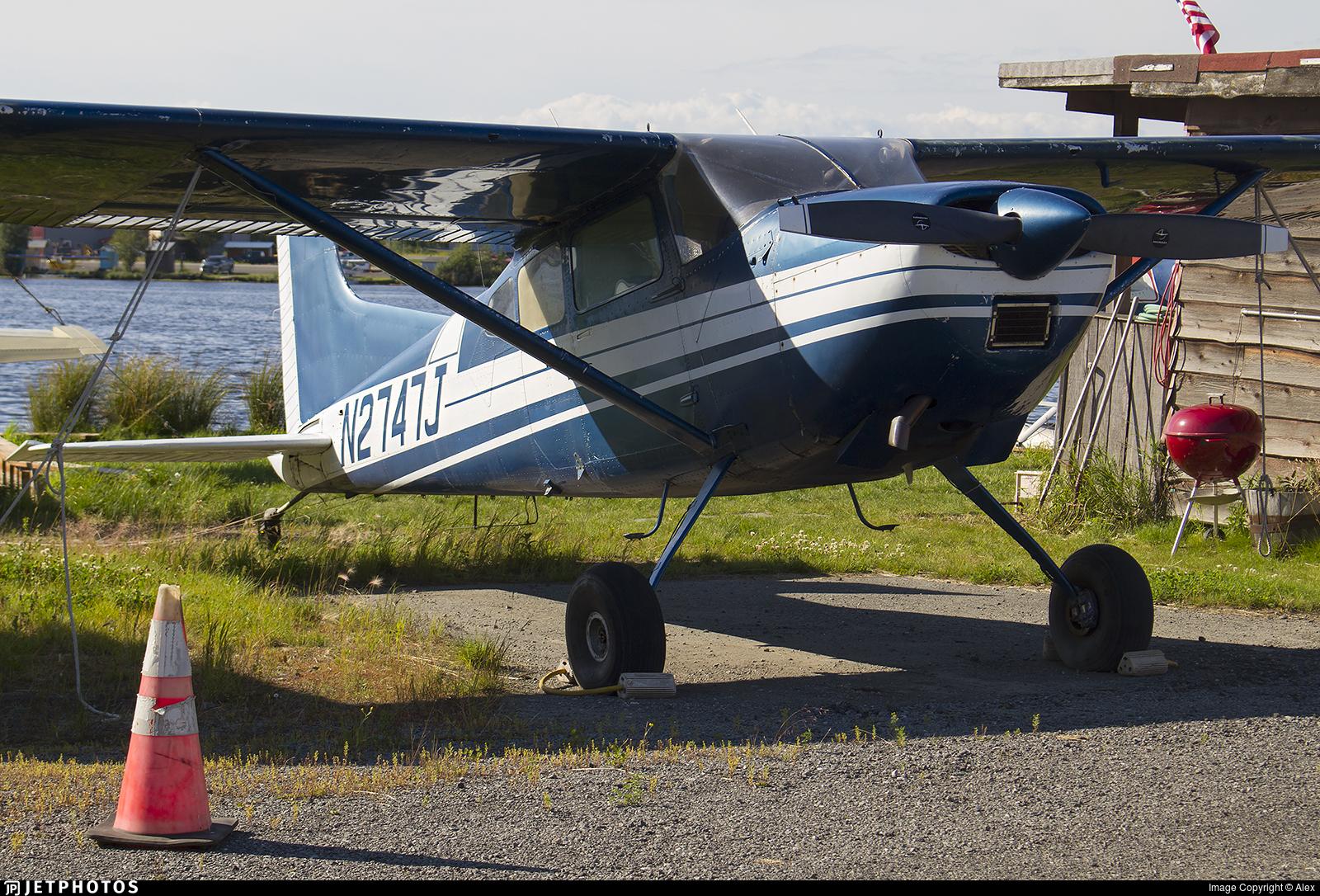 N2747J - Cessna 185E Skywagon - Private