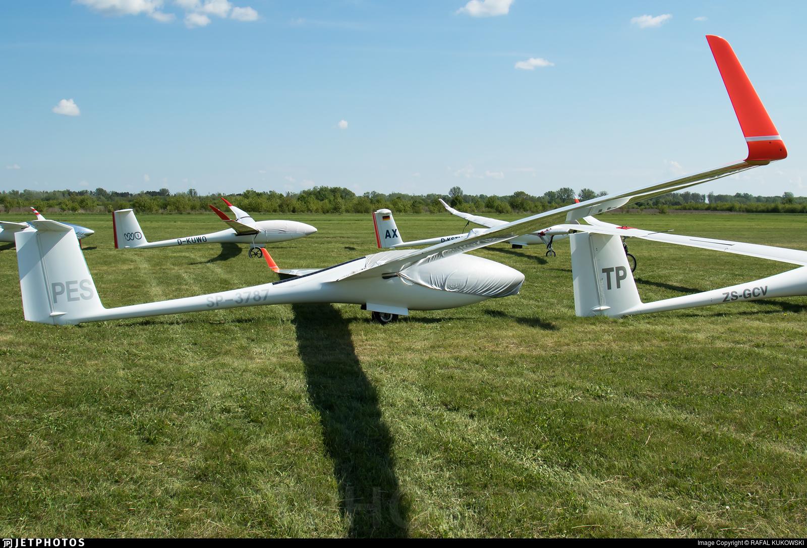 SP-3787 - Schleicher ASG-29 - Aero Club - Bielsko-Biala
