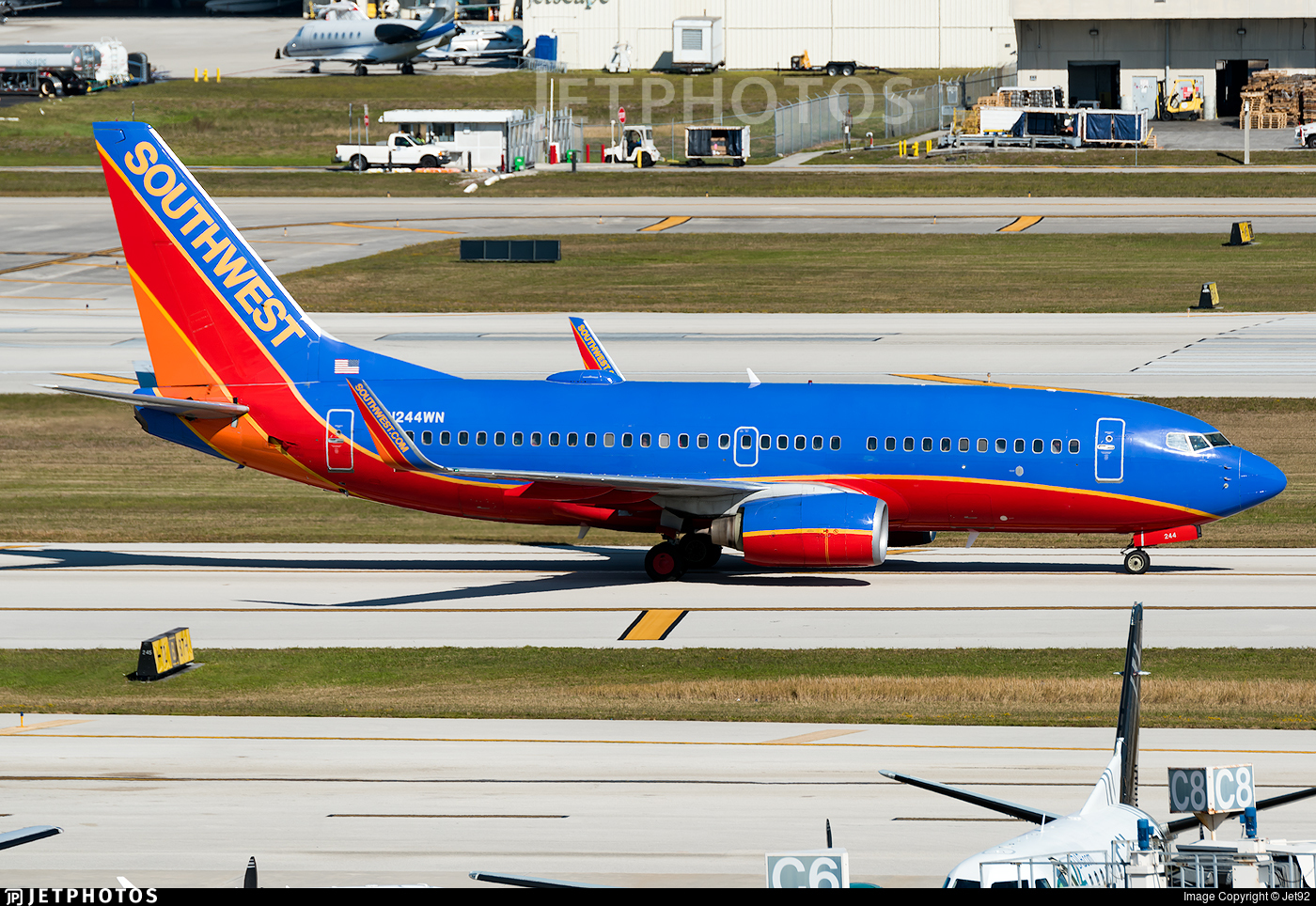 N244WN - Boeing 737-7H4 - Southwest Airlines