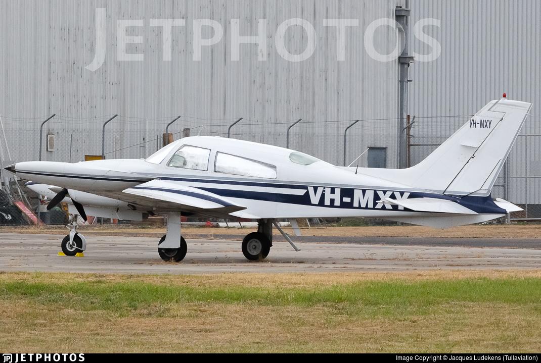 VH-MXY - Cessna 310R - Private