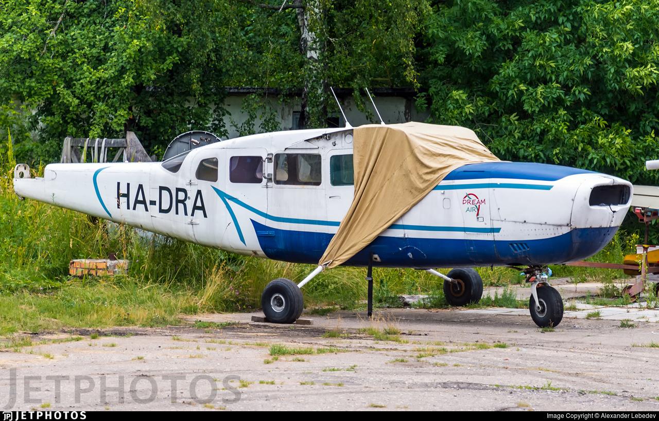 HA-DRA - Cessna 207 Stationair 7 - Private