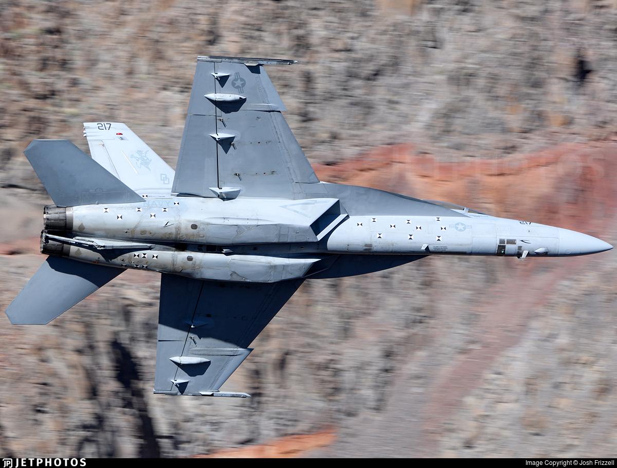 166450 - McDonnell Douglas F/A-18F Hornet - United States - US Navy (USN)