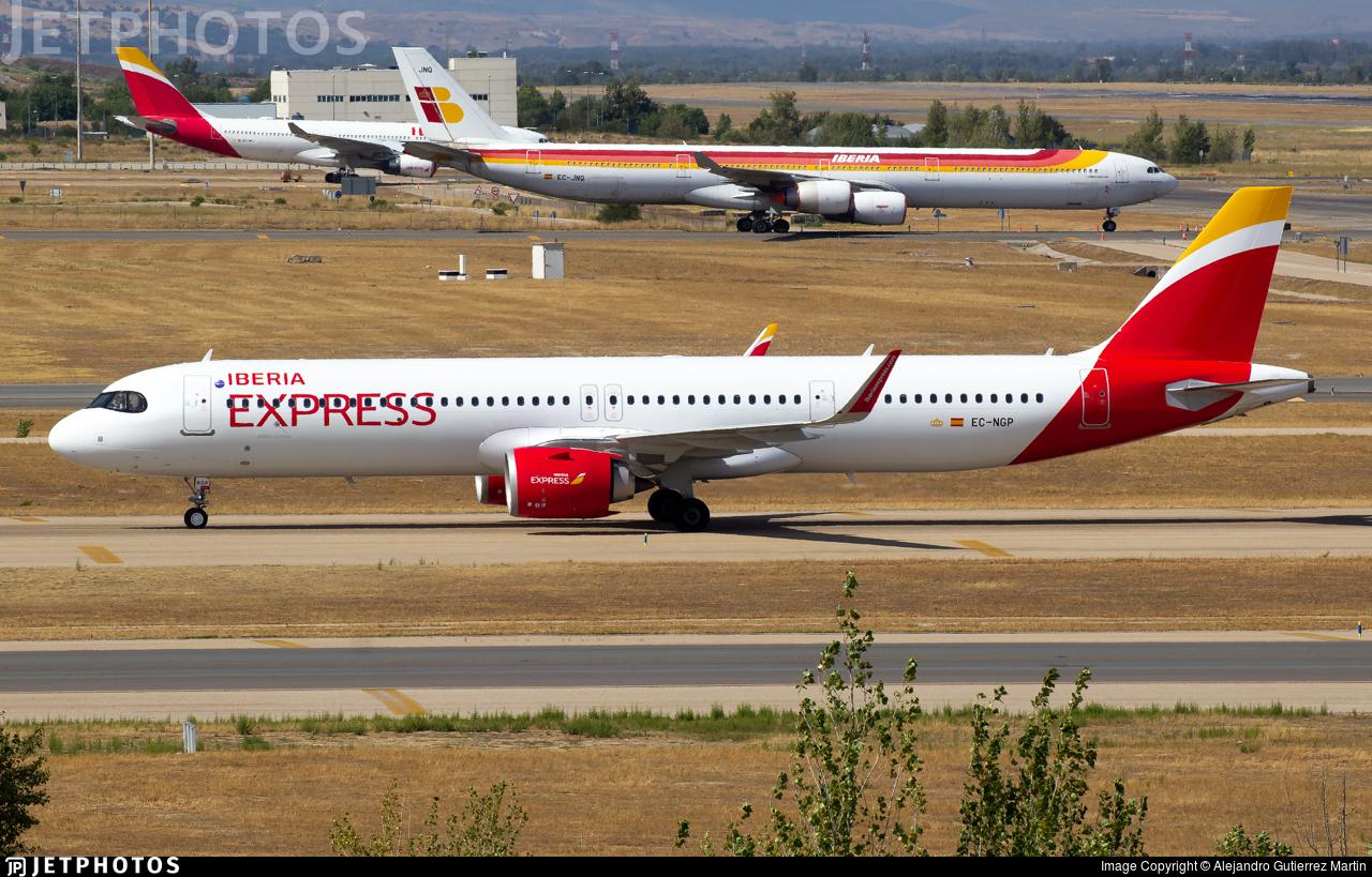 EC-NGP - Airbus A321-251NX - Iberia Express