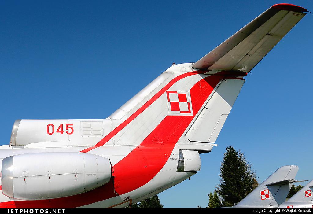 045 - Yakovlev Yak-40 - Poland - Air Force