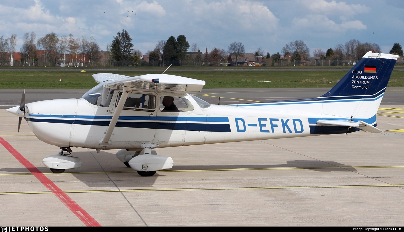 D-EFKD - Reims-Cessna F172N Skyhawk II - Flugausbildungszentrum Dortmund