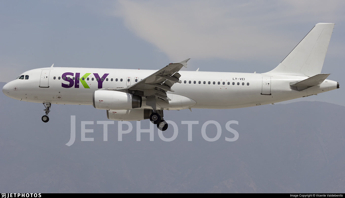 LY-VEI - Airbus A320-233 - Sky Airline (Avion Express)