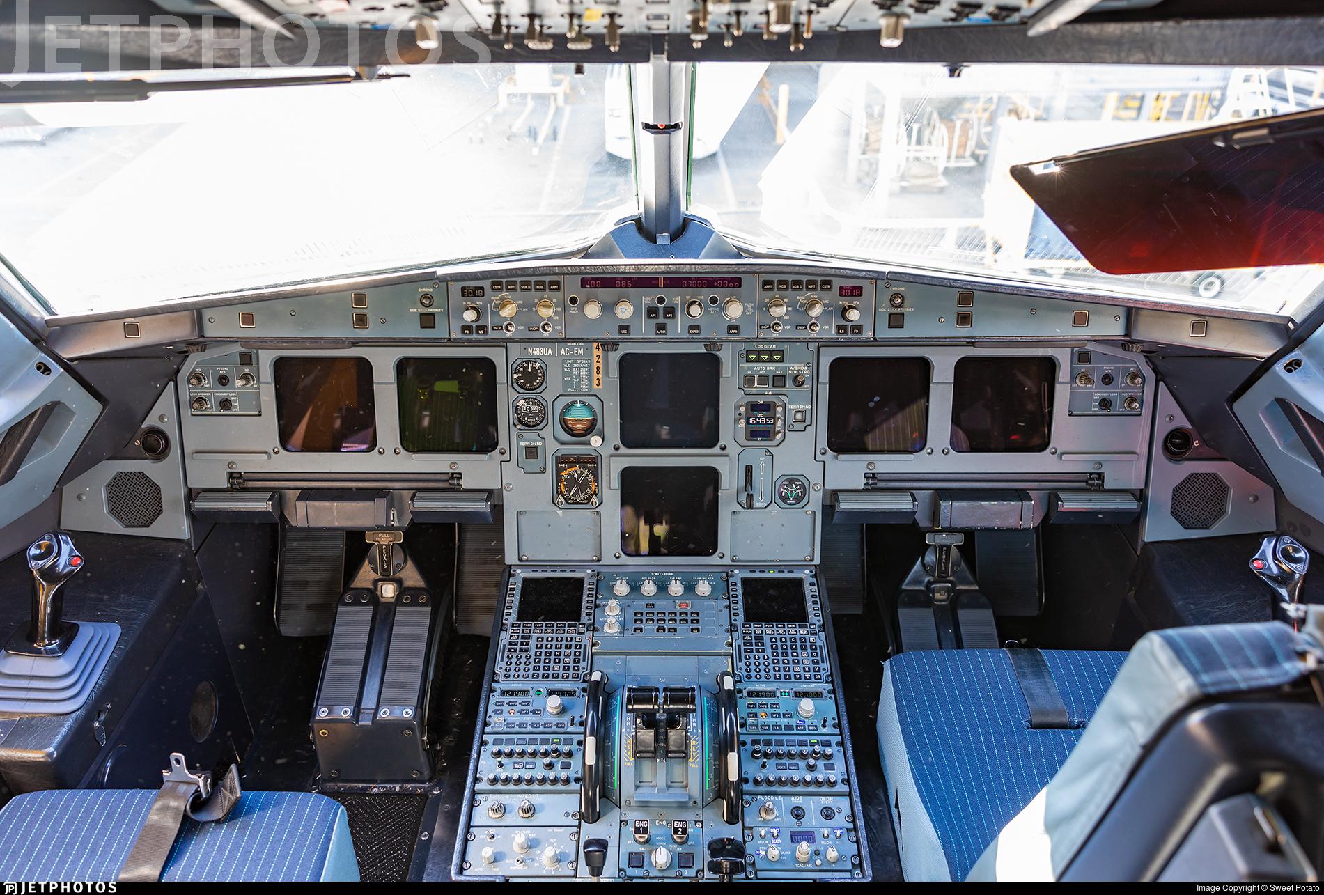 N483UA - Airbus A320-232 - United Airlines