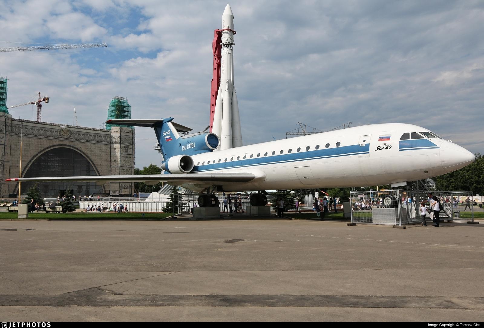 RA-19751 - Yakovlev Yak-42 - Private