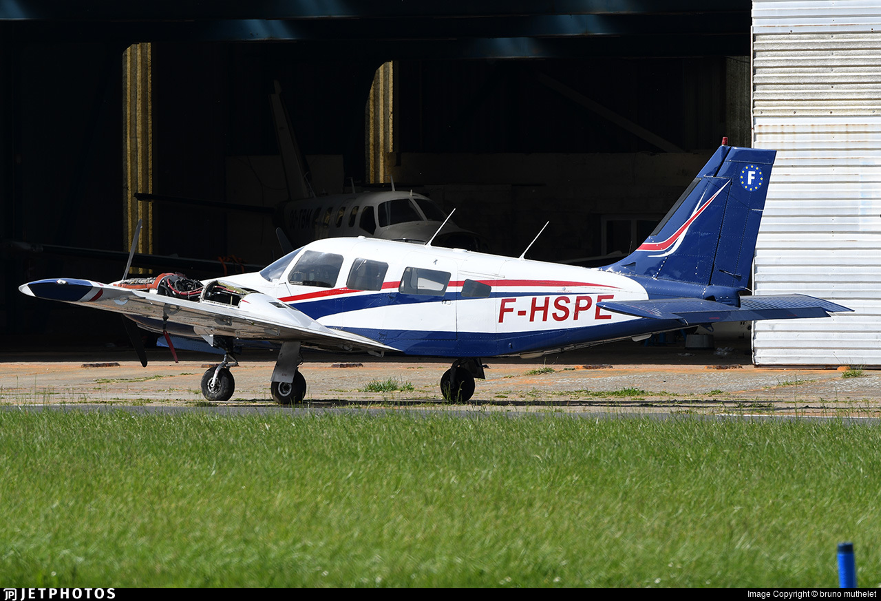 F-HSPE - Piper PA-34-220T Seneca III - Private
