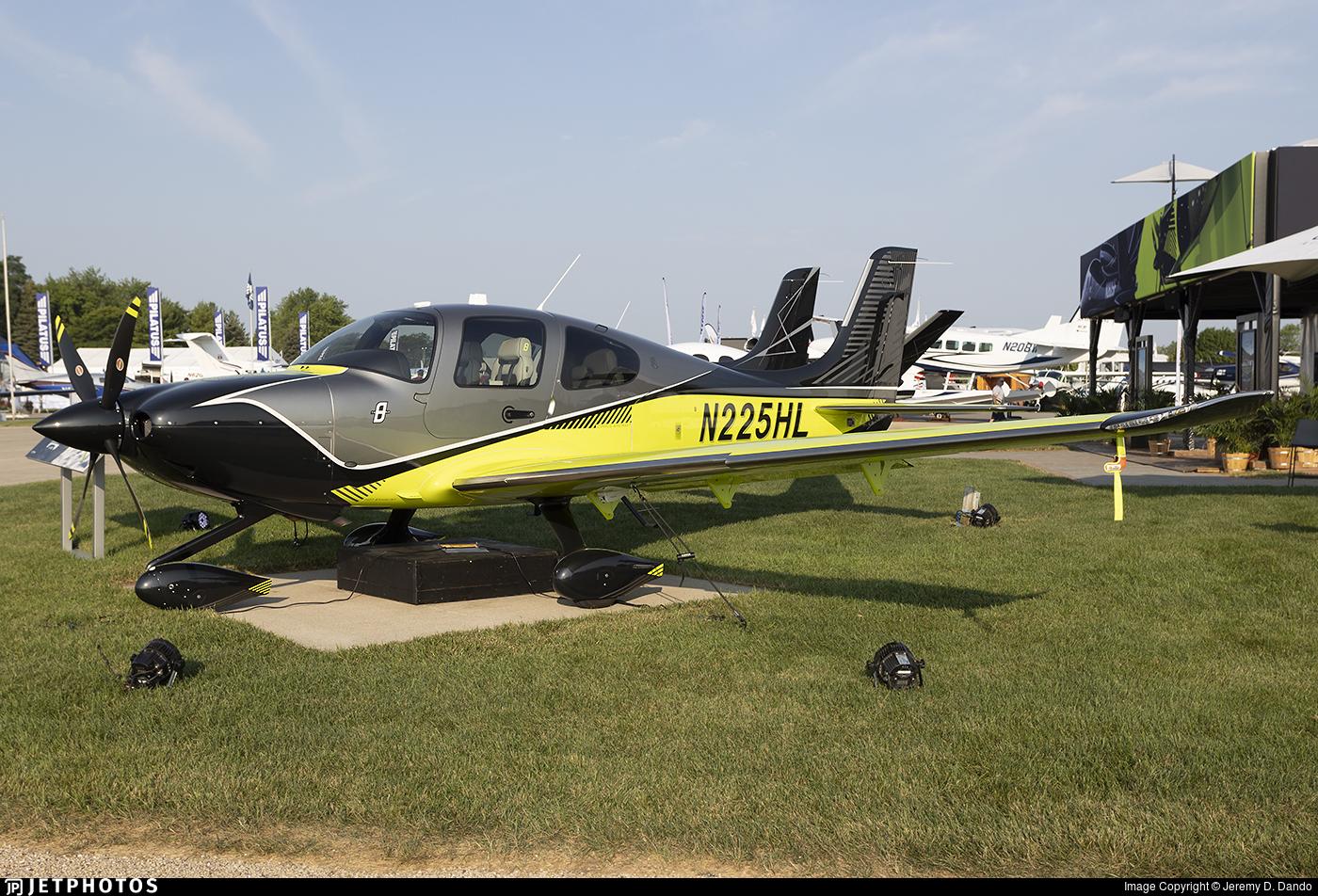 N225HL - Cirrus SR22T G6 - Private