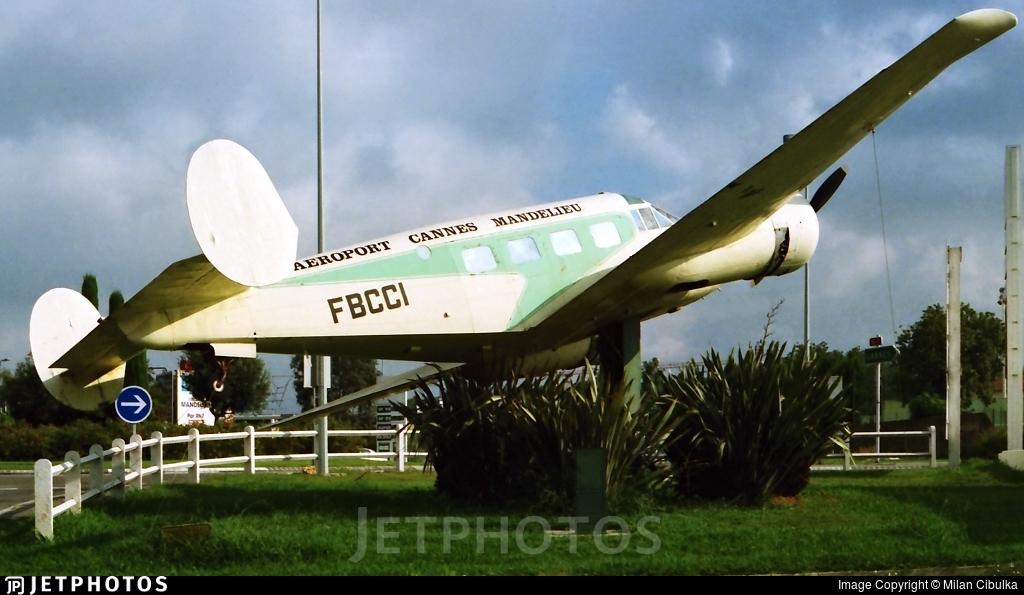 F-BCCI - Beech E18S - Private