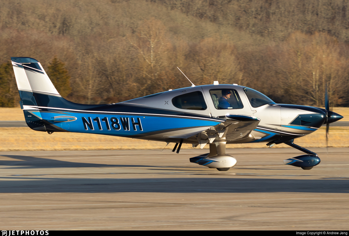 N118WH - Cirrus SR22 - Private