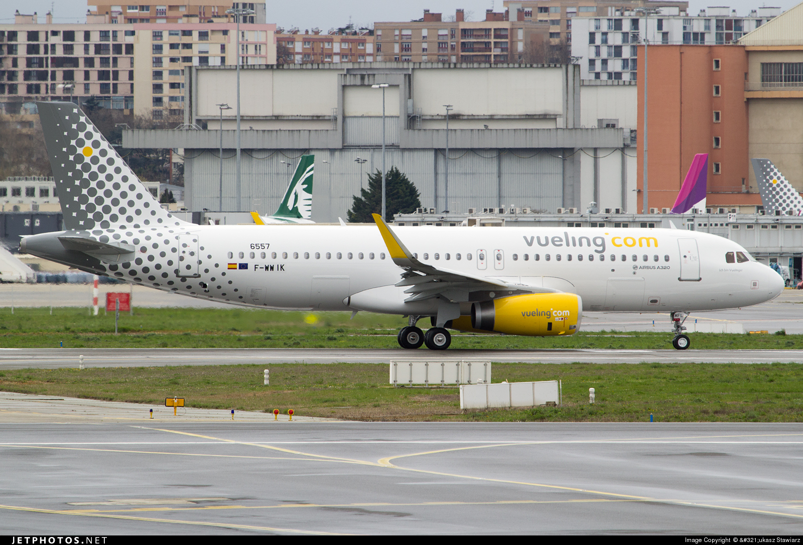 F-WWIK - Airbus A320-232 - Vueling