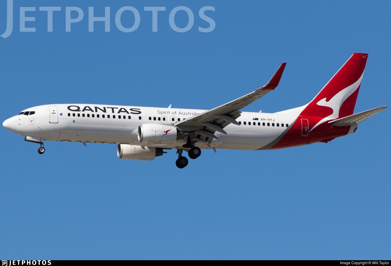 VH-VYJ - Boeing 737-838 - Qantas