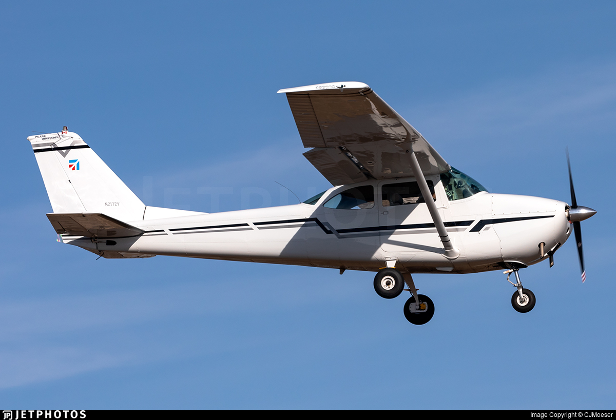N2172Y - Cessna 172D Skyhawk - Private