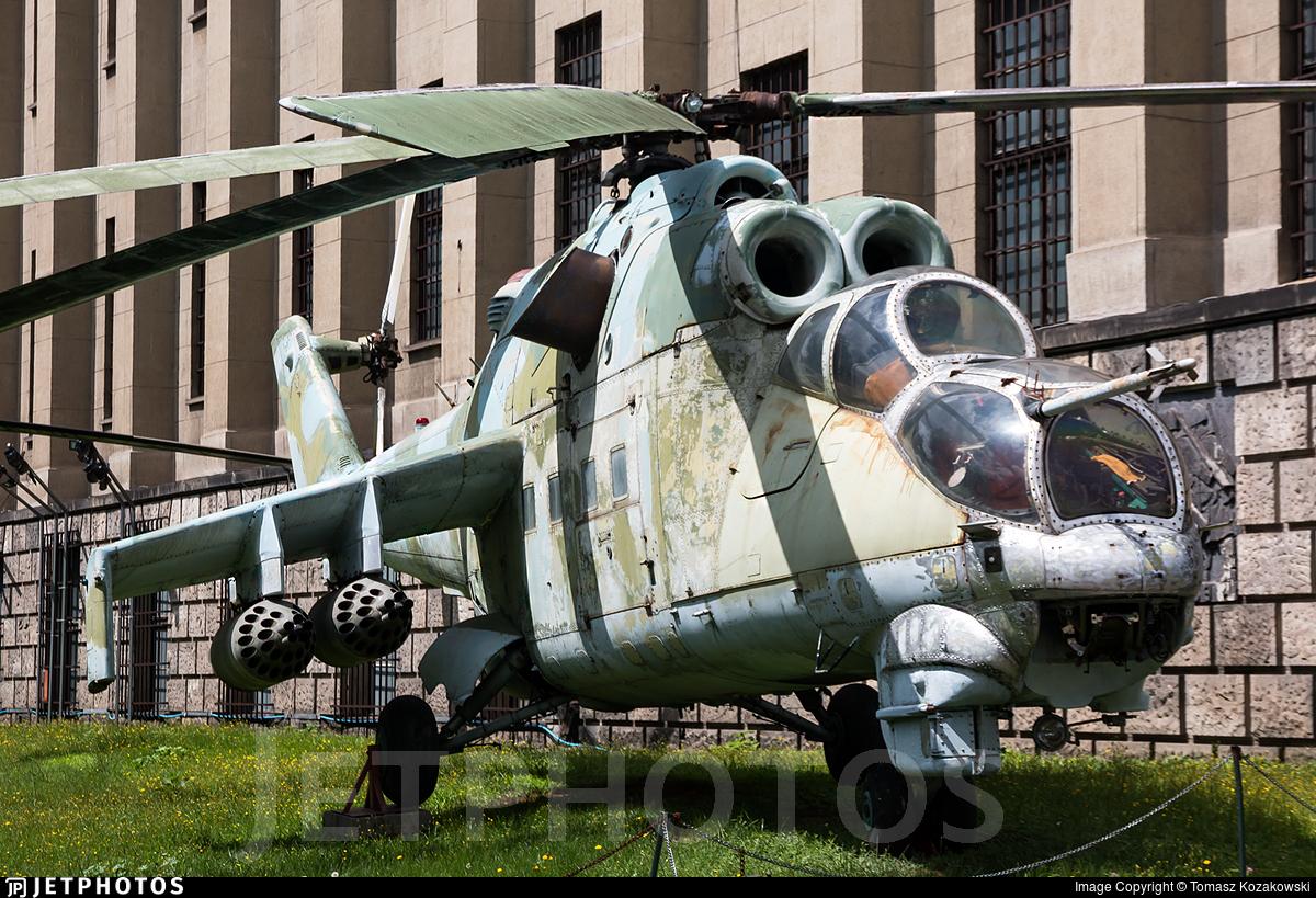 013 - Mil Mi-24D Hind D - Poland - Air Force