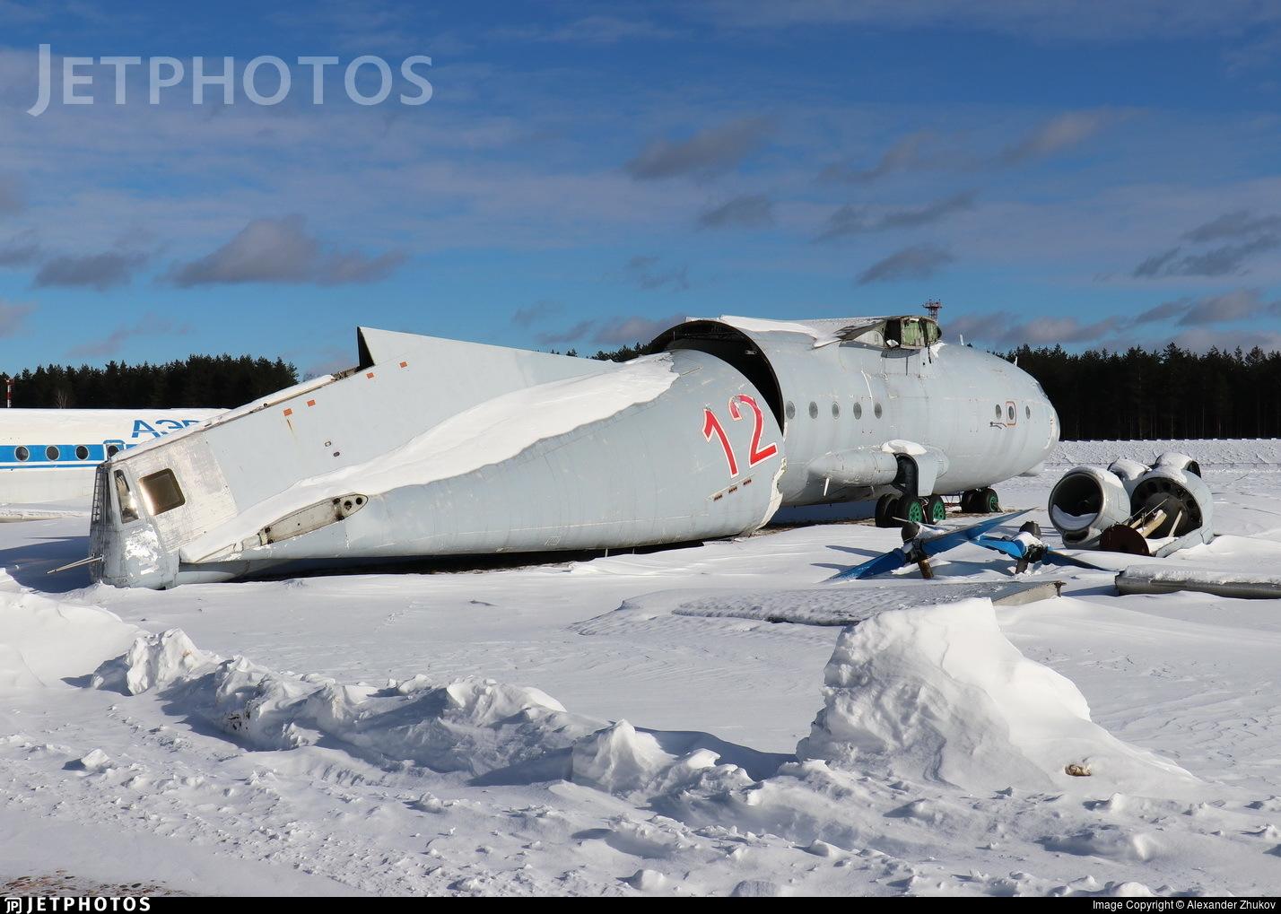 12 - Antonov An-12B - Soviet Union - Air Force