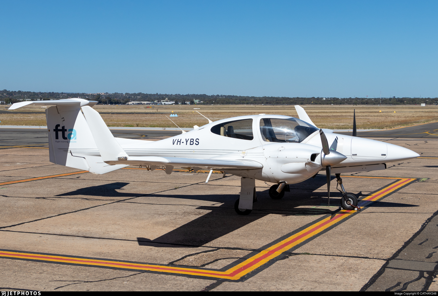 VH-YBS - Diamond DA-42 Twin Star - Flight Training Adelaide