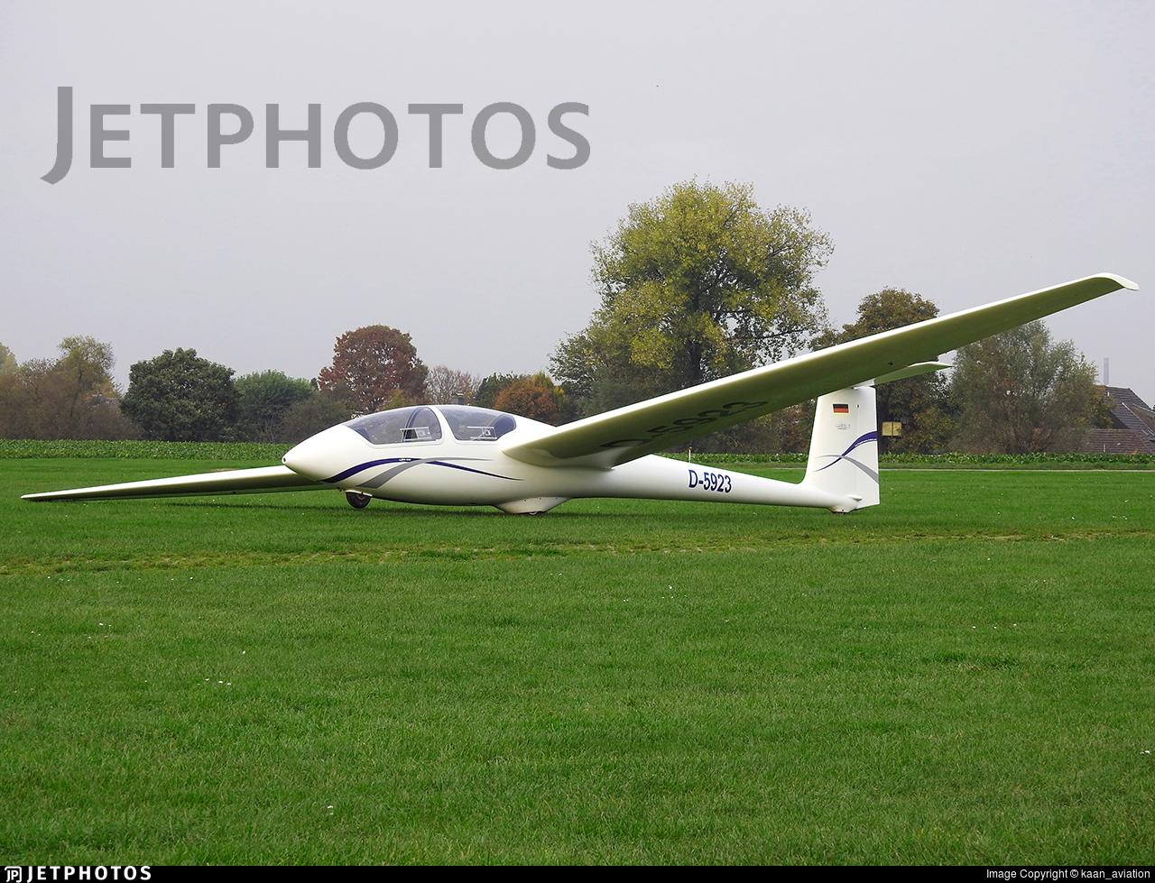 D-5923 - Schleicher ASK-21 - Private