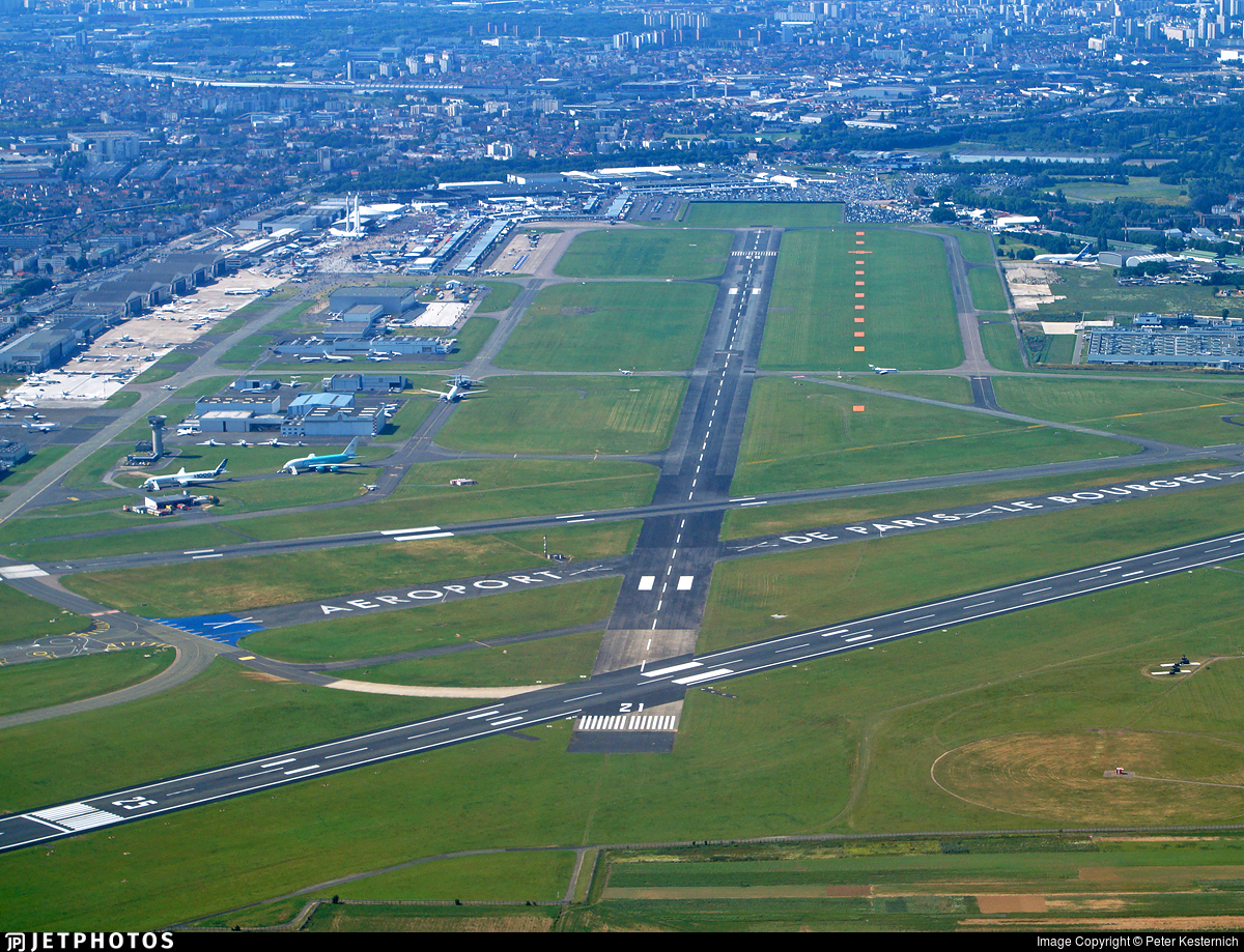 LFPB - Airport - Airport Overview