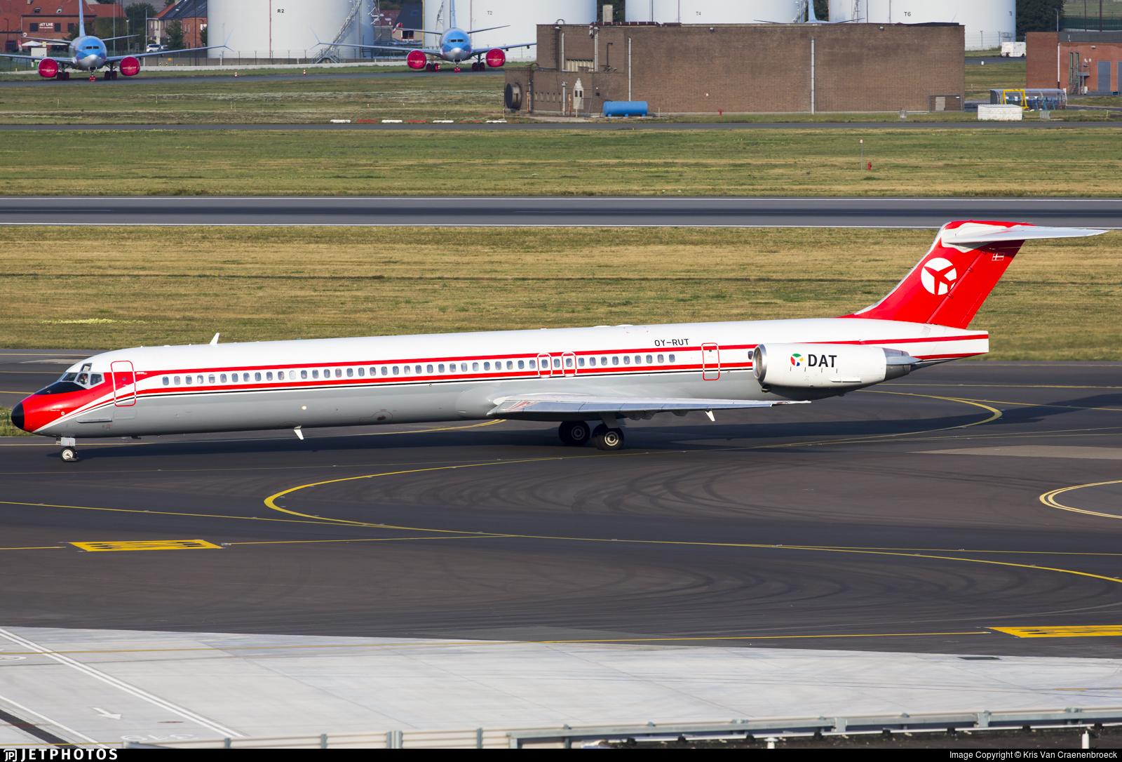 OY-RUT - McDonnell Douglas MD-82 - Danish Air Transport (DAT)