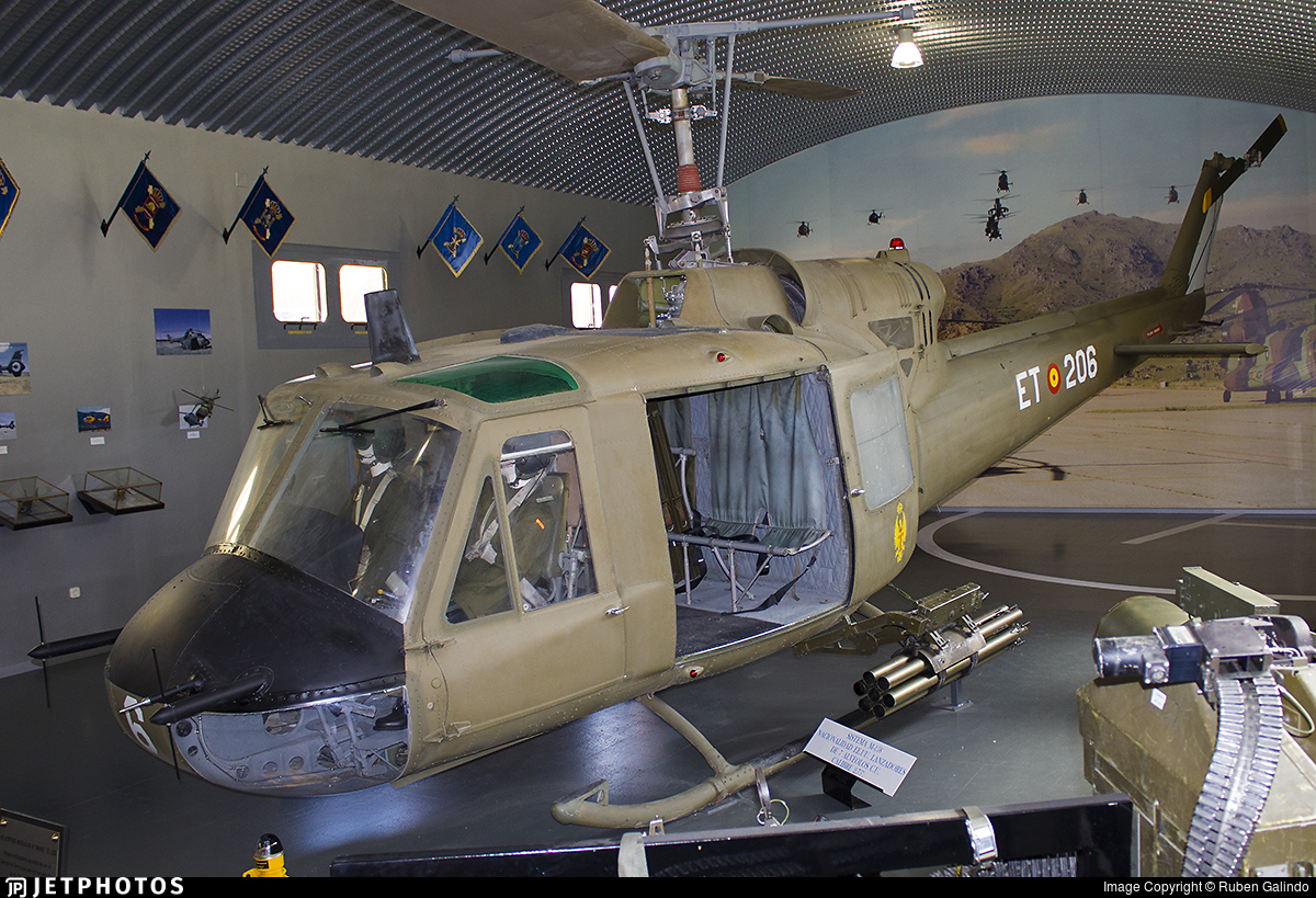 HU.8B-10 - Bell 204B - Spain - Army