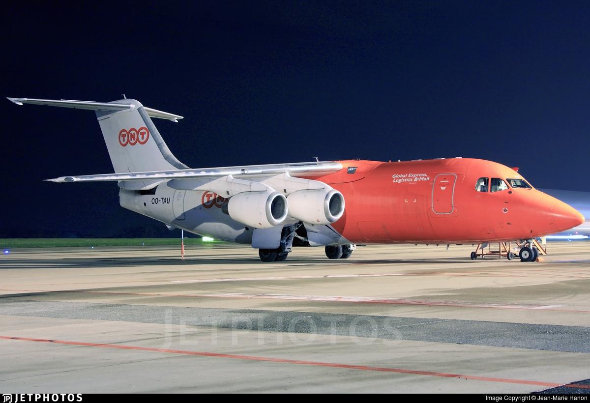 OO-TAU - British Aerospace BAe 146-200(QT) - TNT Airways