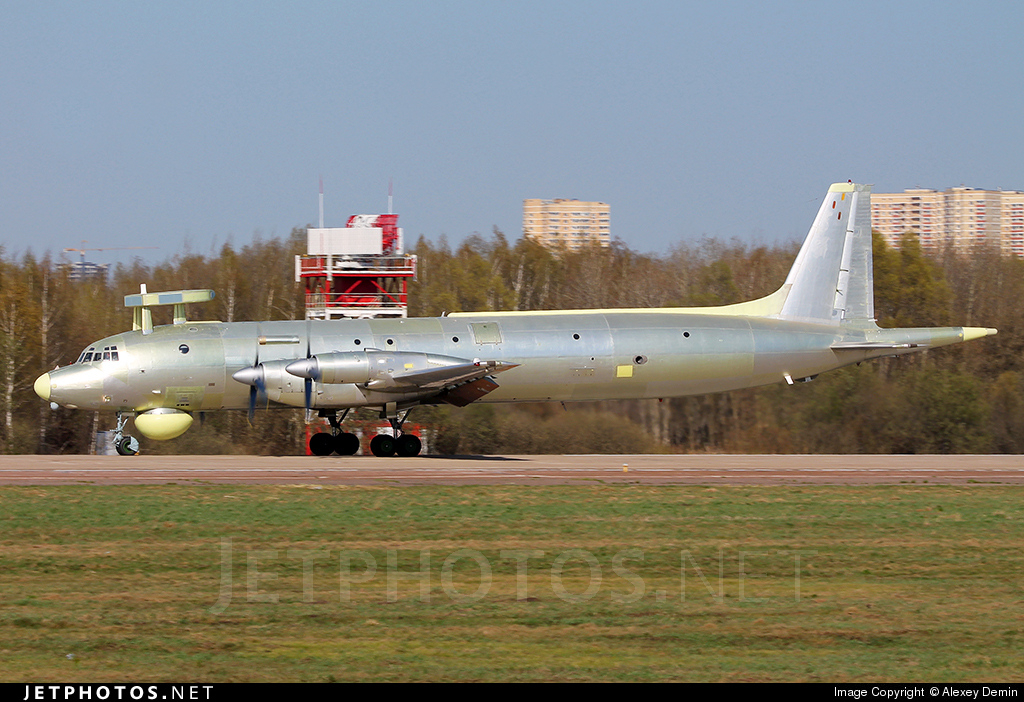 RF-75335 - Ilyushin IL-38 May - Russia - Air Force
