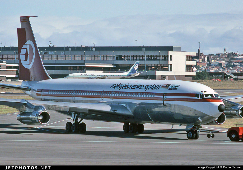 9M-MCQ - Boeing 707-338 - Malaysia Airlines