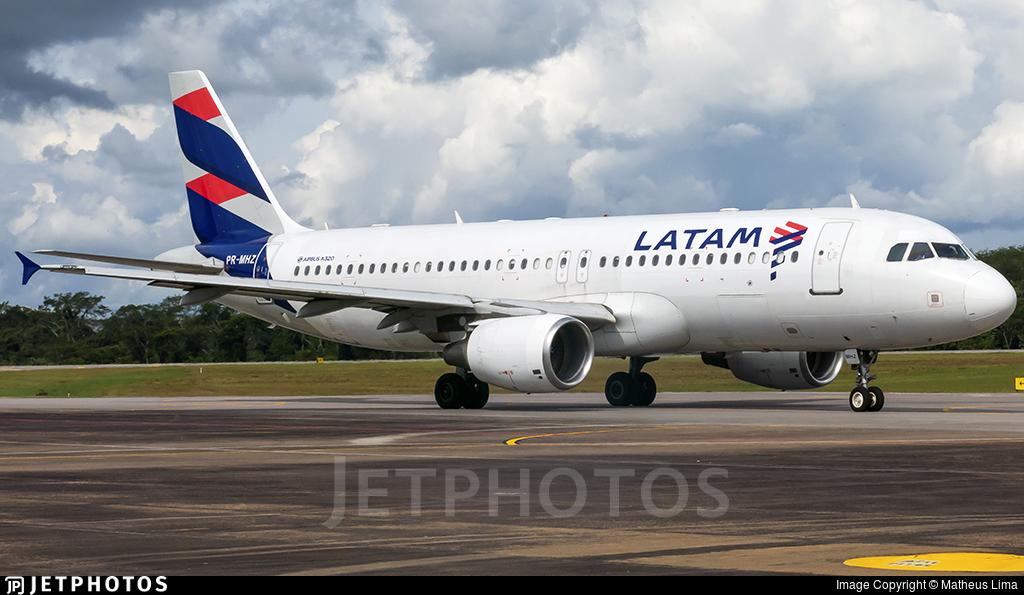 PR-MHZ - Airbus A320-214 - LATAM Airlines