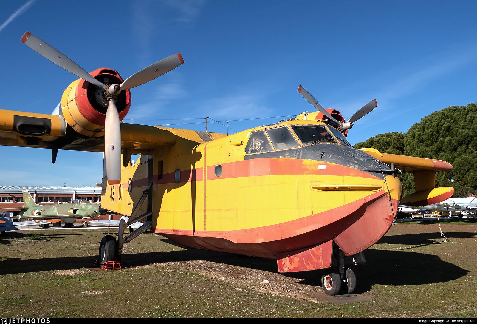 UD.13-01 - Canadair CL-215-1A10 - Spain - Air Force