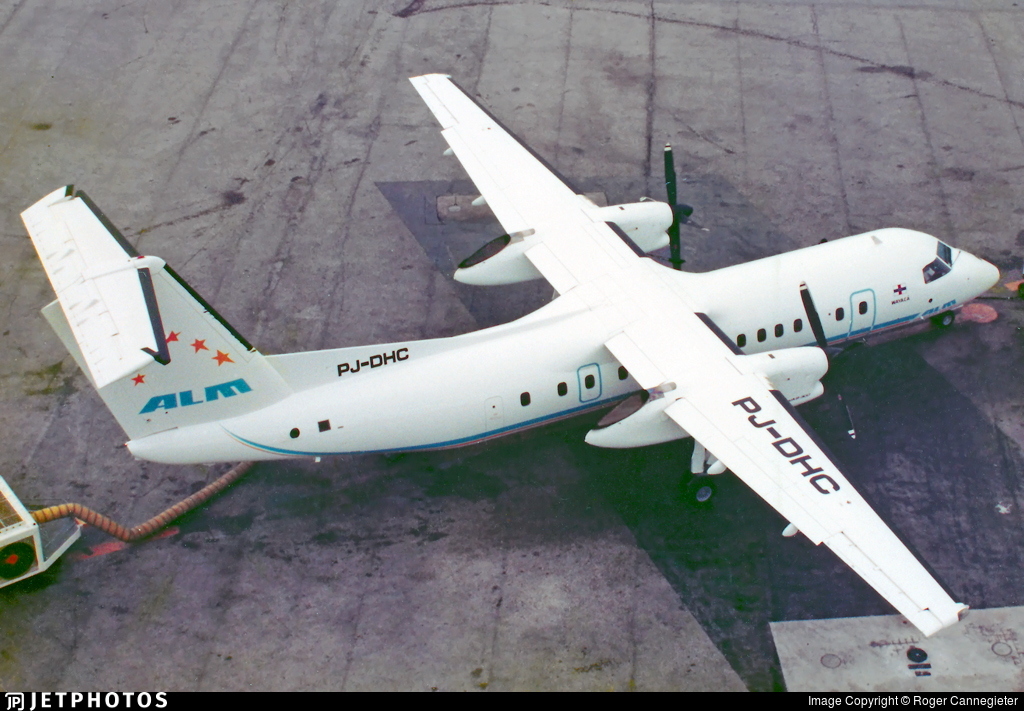 PJ-DHC - Bombardier Dash 8-301 - ALM Antillean Airlines