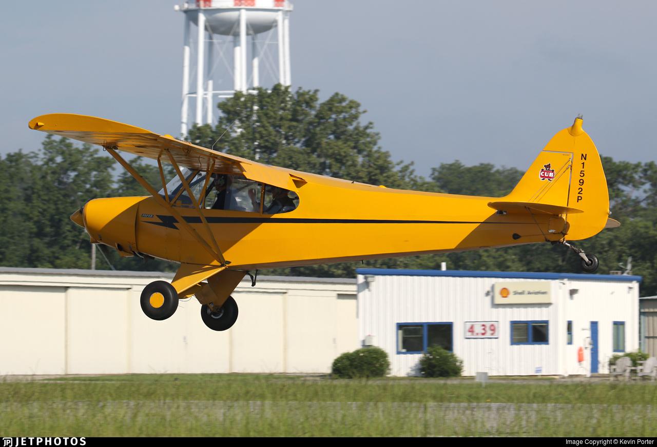 N1592P - Piper PA-18-135 Super Cub - Private