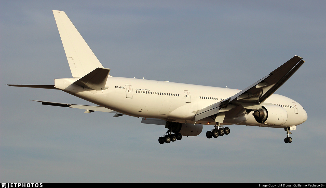 CC-BKA - Boeing 777-212(ER) - LATAM Airlines