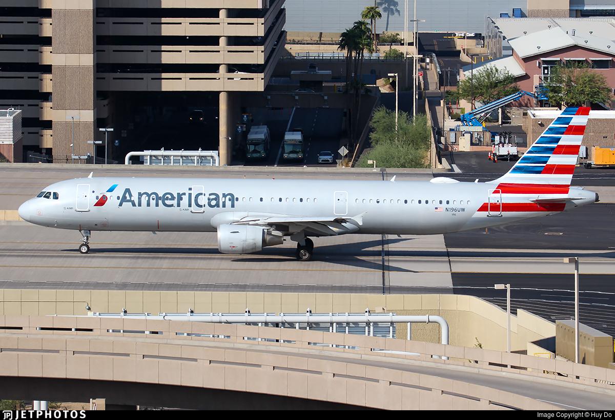 N196UW - Airbus A321-211 - American Airlines